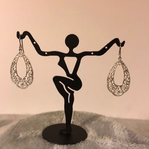 Jewelry - NWOT ~ Silver Ornate Hollow Teardrop Earrings